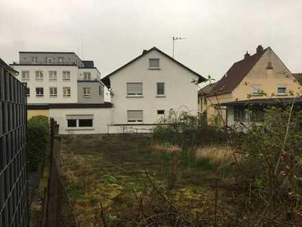 1-2 Fam.-Haus+2Garagen+Schopf+großem Garten,Grd. 957m² in Östringen