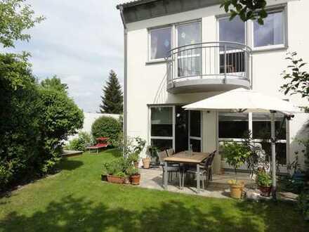Reiheneckhaus mit tollem Garten in TOP-Lage, Nähe Audi AG/WestPark/Klinikum IN-Friedrichshofen