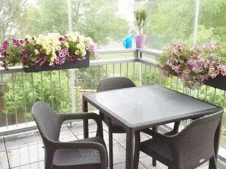 Wenige Schritte zum See: Nette moderne 3-Zimmer-Wohnung mit Balkon