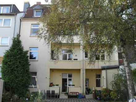 8 Fam.Haus in Essen-Huttrop zu verkaufen.