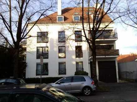 Großzügige 2-Zimmer-Wohnung in Parknähe, mit Balkon und EBK in Nymphenburg, München