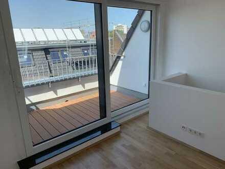 Neubau Erstbezug, 2 Zimmer Dachgeschoss Maisonette, Fahrstuhl, Küche, Top Lage in Sülz