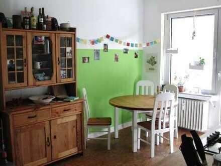 3-Zimmer-Wohnung mit Balkon in Mülheim, Köln, WG geeignet