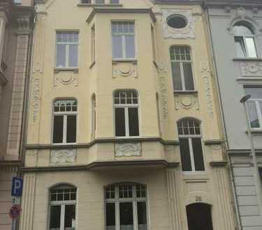 Helle 4-Zimmer-DG-Wohnung in bester Südstadt Lage