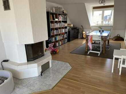 Perfekte Dachgeschoss-Maisonette mit BULTHAUP-EBK, Kamin, Westbalkon, 2 Bädern SKYLINEBLICK