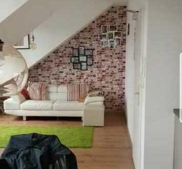 Lichtdurchflutete 2 Zimmer-DG-Wohnung mit Balkon und Einbauküche in Frankfurt-Bockenheim