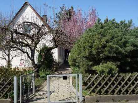Einfamilienhaus mit Baumbestand und Garten...Alt ist das Neue schön!
