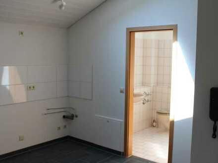 Geschmackvolle DG-Wohnung mit einem Raum und EBK in Horb Am Neckar