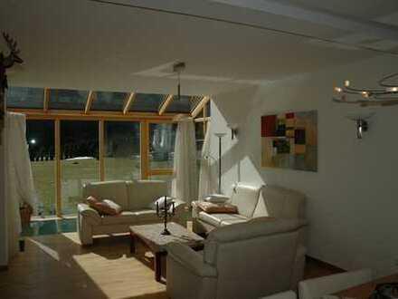 Wohnen auf Zeit! Voll eingerichtetes Einfamilienhaus mit großem Garten in ruhiger Lage von Oberammer