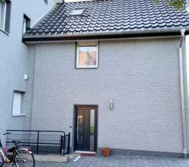 Haus im Haus! 4-Zi.-Whg. über 3 Etagen in bester Wohnlage von BI-Schildesche!