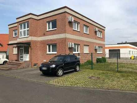 Von privat, Bürogebäude mit Halle in attraktiver Lager in NE-Hoisten