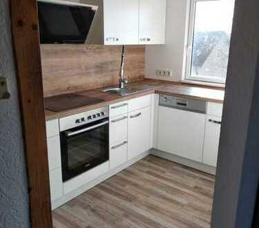 Vollständig renovierte 2-Zimmer-DG-Wohnung mit Balkon und EBK in Göppingen