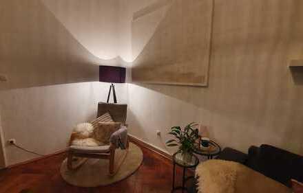 Stilvolle 3-Zimmer-Hochparterre-Wohnung mit Einbauküche in Lehel, München