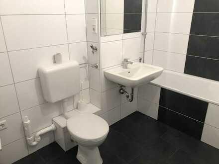 Für Sie frisch renoviert mit schönem, neuem Bad