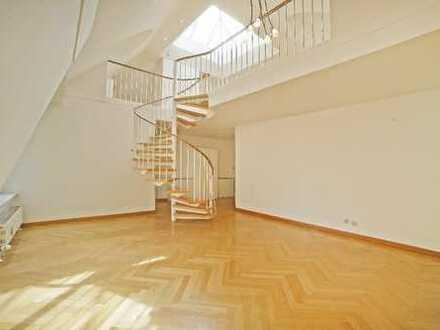 Lichtdurchflutete 3,5-Zimmer-DG-Galeriewohnung mit ca. 170 m² Privatgarten in Mü.-Nymphenburg