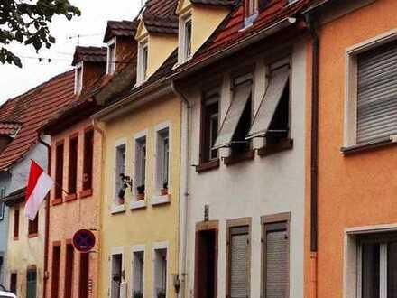 Maisonette-Wohnung mit Dachterrasse und EBK im Herzen von Speyer