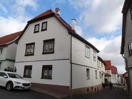Gemütliches Einfamilienhaus in zentraler Lage von Geschwenda zu verkaufen!