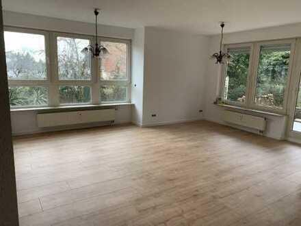 Gepflegte 3-Zimmer-Erdgeschosswohnung mit Terrasse/Garten und Einbauküche in Hofheim Langenhain