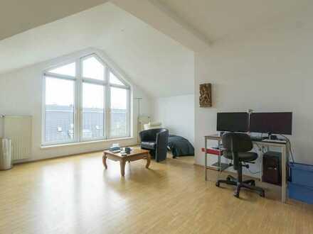 PLUS 30m² ON TOP! Dachgeschoss-Maisonette im Unterbilker Altbau