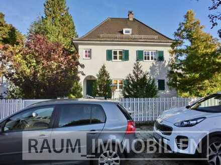 Vollsanierte, elegante, herrschaftliche Villa in zentraler, ruhiger und sonniger Lage von Planegg