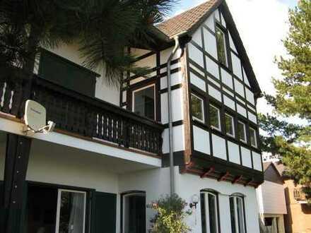 Modernes, freistehendes Einfamilien-Fachwerkhaus in Waldrandlage in Föhren bei Trier zu vermieten
