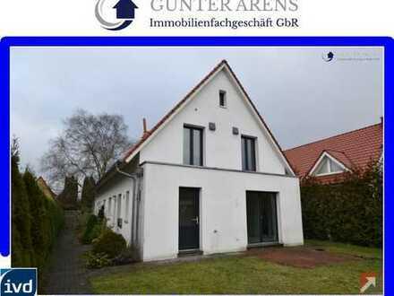 neuwertige Doppelhaushälfte mit Carport, Terrasse und Garten in Oldenburg - Dietrichsfeld