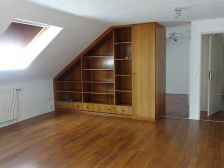 2-Zimmer Dachgeschoß-Wohnung