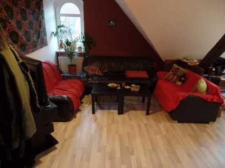 Freundliche 3-Zimmer-DG-Wohnung mit Einbauküche in Erfurt