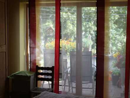 Exklusive, gepflegte 2-Zimmer-Wohnung mit großen Balkon in Erlangen