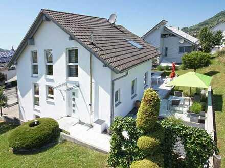 Doppelhaushälfte in Toplage, 3-Zimmer + Galerie in Eningen unter Achalm