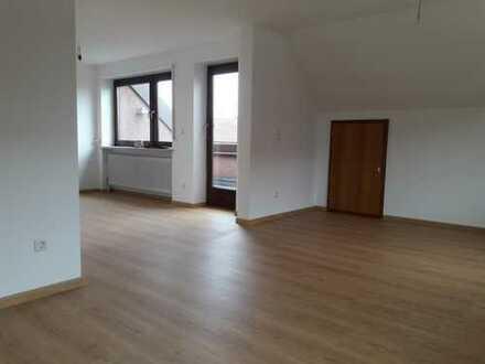 Erstbezug nach Sanierung: exklusive 3-Zimmer-DG-Wohnung mit Dachterrasse in Maisach