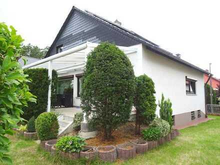 freistehendes Einfamilienhaus in Schwanstetten * * *