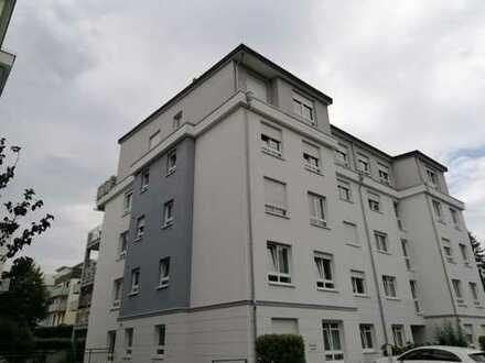 Stilvolle, gepflegte 3-Zimmer-Wohnung mit Balkon und Einbauküche in Oberursel (Taunus)