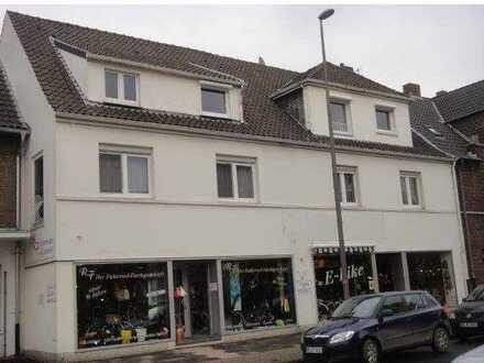 Schöne 3-Zimmer-Dachgeschoß-Wohnung im Herzen von Moers Repelen zu vermieten