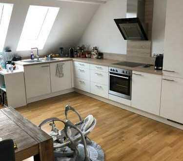 4-Zimmer Dachgeschosswohnung mit EBK