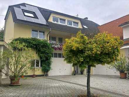 -Das Haus im Haus- Exklusives Wohnen für die anspruchsvolle Familie, 200 m² Wohnung mit eigenem Gart