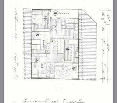 Traumhafte 3,5-Zimmer Dachgeschosswohnung mit Balkon in einem Dreifamilienhaus zum Wohlfühlen