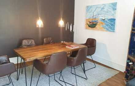 Stilvolle 3-Zimmer-Wohnung mit Einbauküche in schönem Altbau