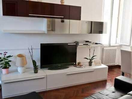 Stilvolle, sanierte 2-Zimmer-Wohnung mit Balkon und Einbauküche in Baden-Baden