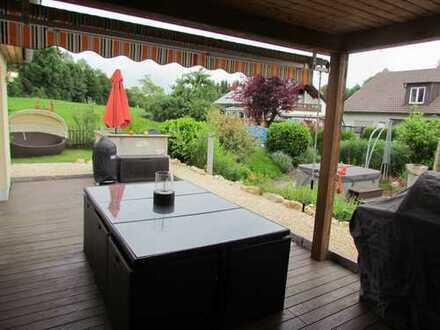 Schönes, geräumiges Haus mit großem angelegten Grundstück in Wertingen