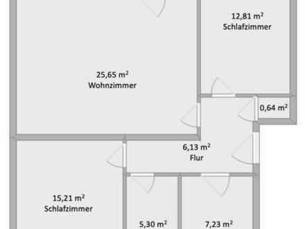 Sanierte EG-Wohnung mit drei Zimmern und Balkon in Amberg