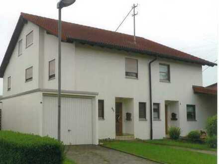 Schöne Doppelhaushälfte mit viel Platz in Ohnastetten, Provisionsfrei
