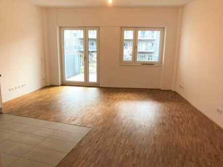 schöne und geräumige 3-Zimmer-Wohnung mit Einbauküche, 2 Badezimmer und Fußbodenheizung