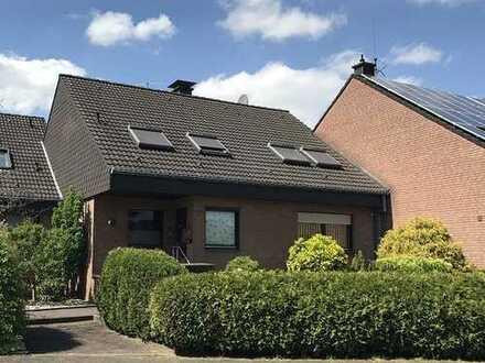 Ideale Lage in Dorsten-Holsterhausen! Gepflegtes Zwei-Parteienhaus mit schönem Garten.