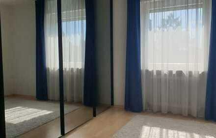 Helle und vollmöblierte 2-Zimmer Wohnung mit Balkon in zentraler Lage in Stuttgart-Möhringen