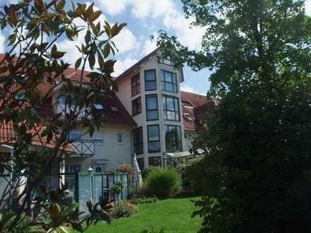 Wunderschöne alters- und behindertengerechte 1 - Zimmer - Wohnung in Seniorenresidenz