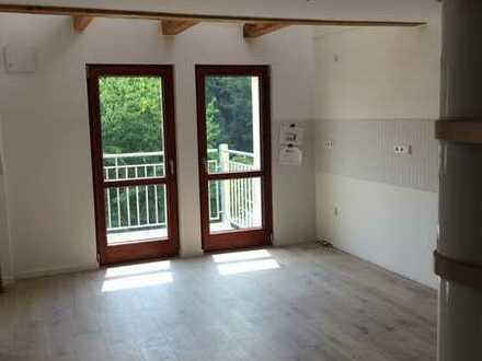 +NEU+Luxus: 4 Zimmer-Wohnung über 2 Etagen140,6 m2 Nf.+ 2xBad + Zentralheizung + Balkon + (Wohnung