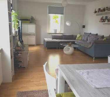 Lichtdurchflutetes Wohnen auf 110 qm, grosse schöne EBK, Stadtmitte HDH