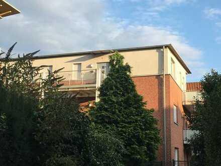 - provisionsfrei - Besondere 3-Zimmer-Dachgeschosswohnung mit großem SW-Balkon mitten in Ahlen