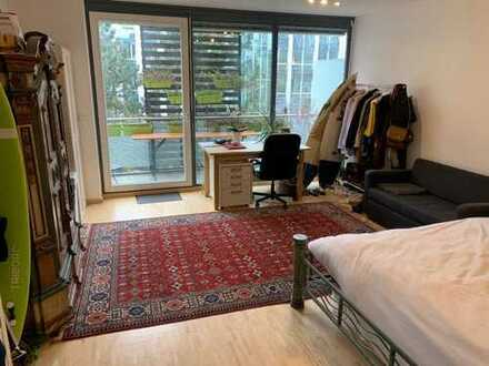 Large room for intermediate rent